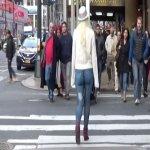 Passeou Sem Calças em Nova Iorque Para Testar a Atenção das Pessoas