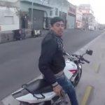 Bandido se Complica na Hora de Roubar Turista na Argentina