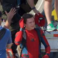 Confira as Fotos de Tom Holland Como Homem Aranha no Set de Homecoming